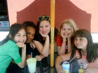 Emma, Nina, Arielle, Hannele & Esme